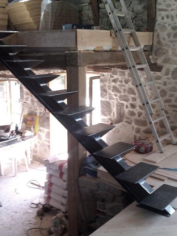 Escaliers sur mesure traditionnels ou design, en bois massif ou mixtes ...